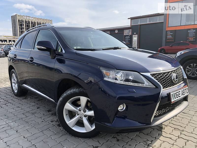 https://cdn1.riastatic.com/photosnew/auto/photo/lexus_rx-350__380330796f.jpg