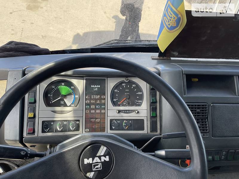 Туристический / Междугородний автобус MAN 10.220 1996 в Петрове