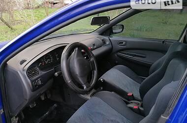 Седан Mazda 323 1994 в Киеве