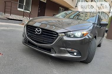 Седан Mazda 3 2016 в Днепре