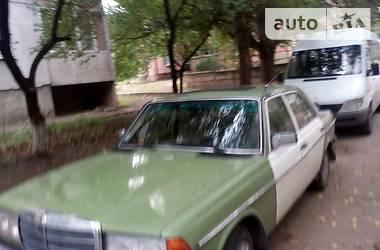 Mercedes-Benz 200 1982 в Луганске