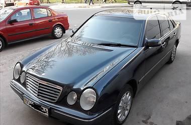 Mercedes-Benz 210 2001 в Тернополе