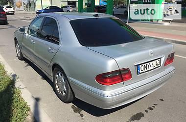 Mercedes-Benz 220 2001