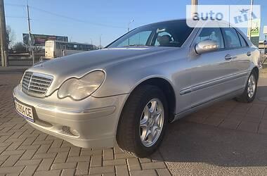 Mercedes-Benz 220 2001 в Луцке