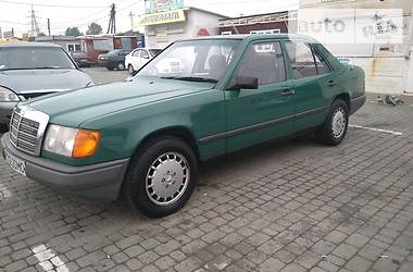 Mercedes-Benz 230 1987 в Черновцах