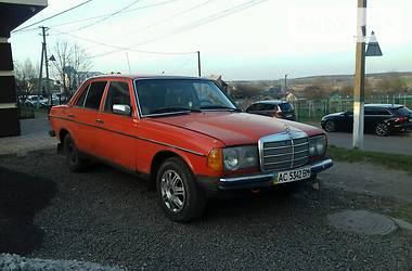 Седан Mercedes-Benz A 200 1980 в Луцке