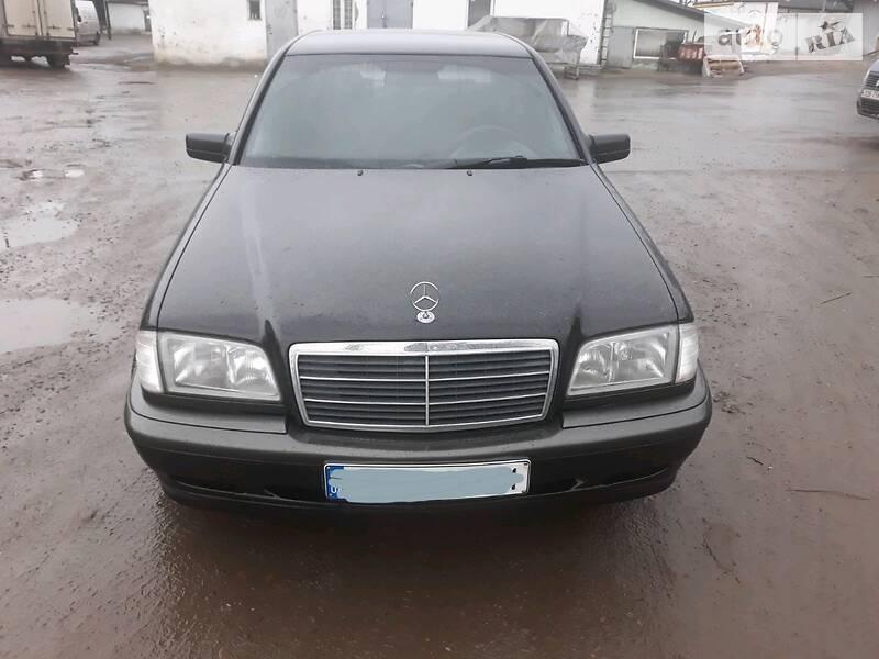 Седан Mercedes-Benz C 180 1998 в Чернівцях