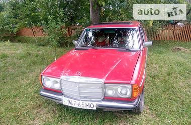 Mercedes-Benz C 200 1980 в Черновцах