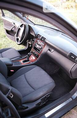 Седан Mercedes-Benz C 220 2003 в Жмеринке