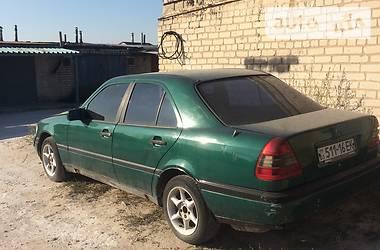 Седан Mercedes-Benz C 220 1993 в Рубежном