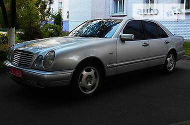 Mercedes-Benz E 200 1999 в Сумах