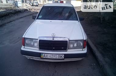 Mercedes-Benz E 200 1987 в Харькове
