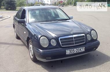 Mercedes-Benz E 200 1998 в Киеве