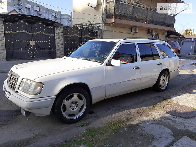 Mercedes-Benz E 200 1995 в Одессе