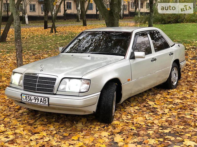 Mercedes-Benz E 200 1985 в Никополе