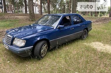 Седан Mercedes-Benz E 200 1990 в Ахтырке