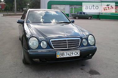 Mercedes-Benz E 200 2000 в Луганске