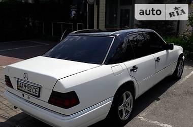 Mercedes-Benz E 220 1994 в Киеве