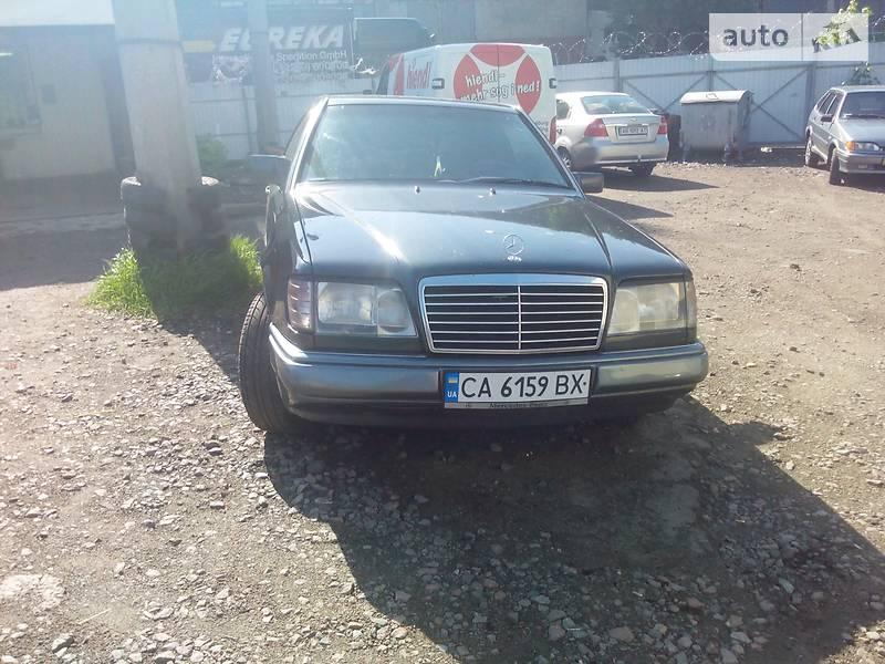 Mercedes-Benz E 220 1994 в Монастырище
