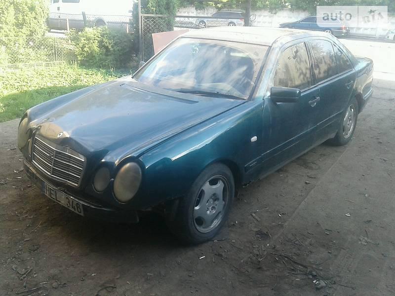 Mercedes-Benz E 220 1996 в Ивано-Франковске