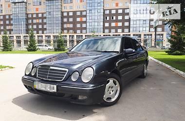 Mercedes-Benz E 220 2001 в Черновцах