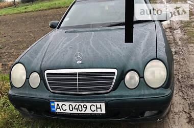 Mercedes-Benz E 220 2001 в Локачах