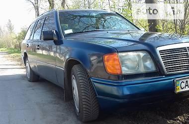 Унiверсал Mercedes-Benz E 230 1990 в Ватутіному