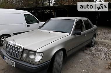 Mercedes-Benz E 230 1986 в Одессе