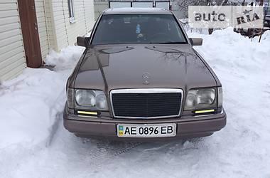 Mercedes-Benz E 230 1990 в Полтаве