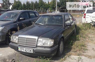 Mercedes-Benz E 230 1992 в Киеве