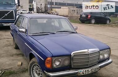 Седан Mercedes-Benz E 230 1977 в Одесі