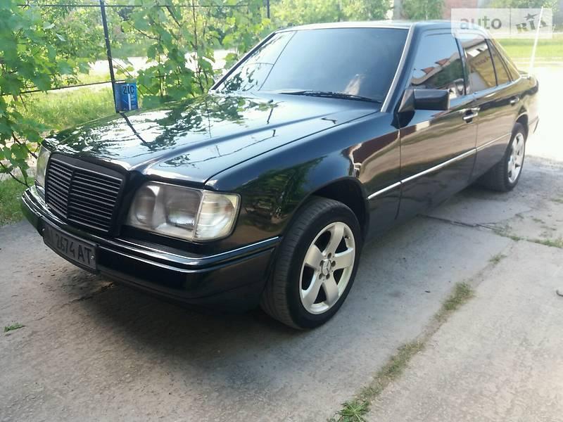 Mercedes-Benz E 250 1990 в Киеве
