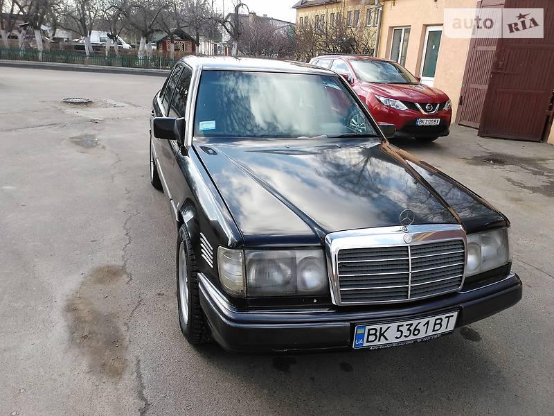 Mercedes E-Class 1989 года в Ровно