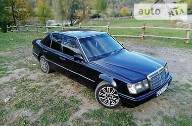 Mercedes-Benz E 260 1992 в Черновцах
