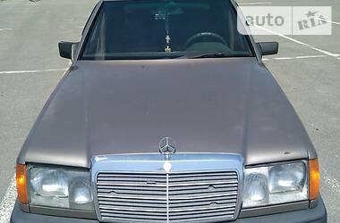 Седан Mercedes-Benz E 260 1989 в Ужгороде
