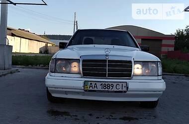 Седан Mercedes-Benz E 260 1987 в Киеве