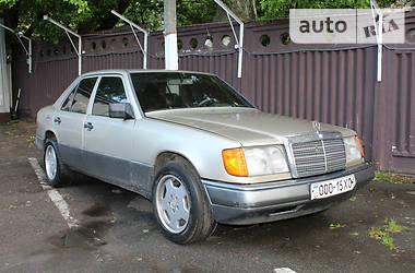 Mercedes-Benz E 300 1992 в Киеве