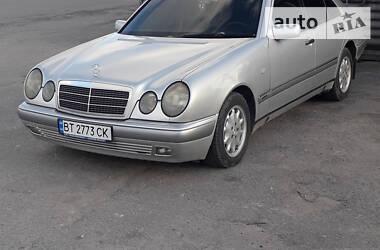 Седан Mercedes-Benz E 300 1996 в Великой Лепетихе