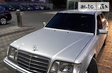 Седан Mercedes-Benz E 300 1995 в Лубнах