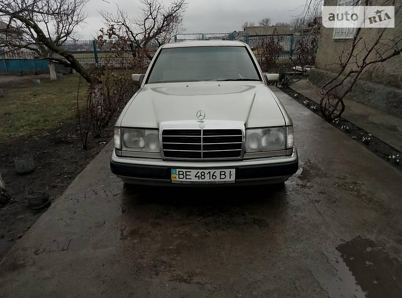 Mercedes-Benz E 320 1989 в Одессе