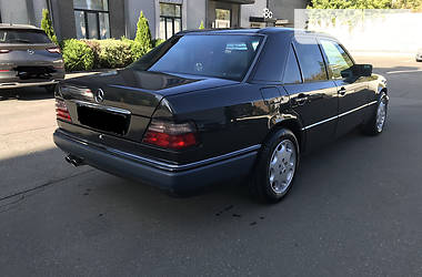 Mercedes-Benz E 420 1994 в Киеве