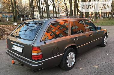 Mercedes-Benz E-Class All-Terrain 1992 в Киеве