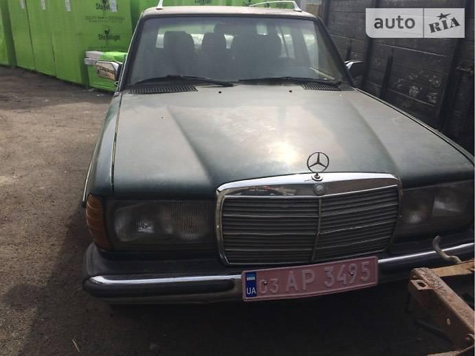 Mercedes-Benz E-Class 1984 в Киверцах