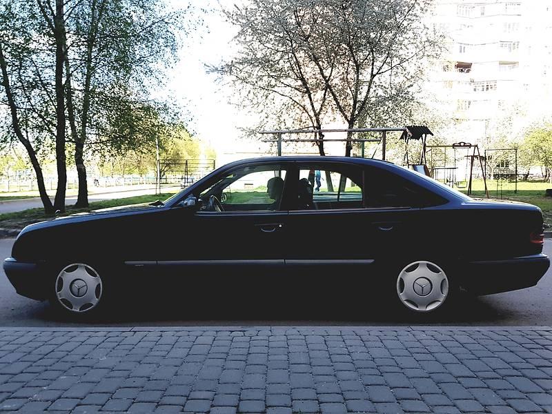 Mercedes-Benz E-Class 2000 в Луцке