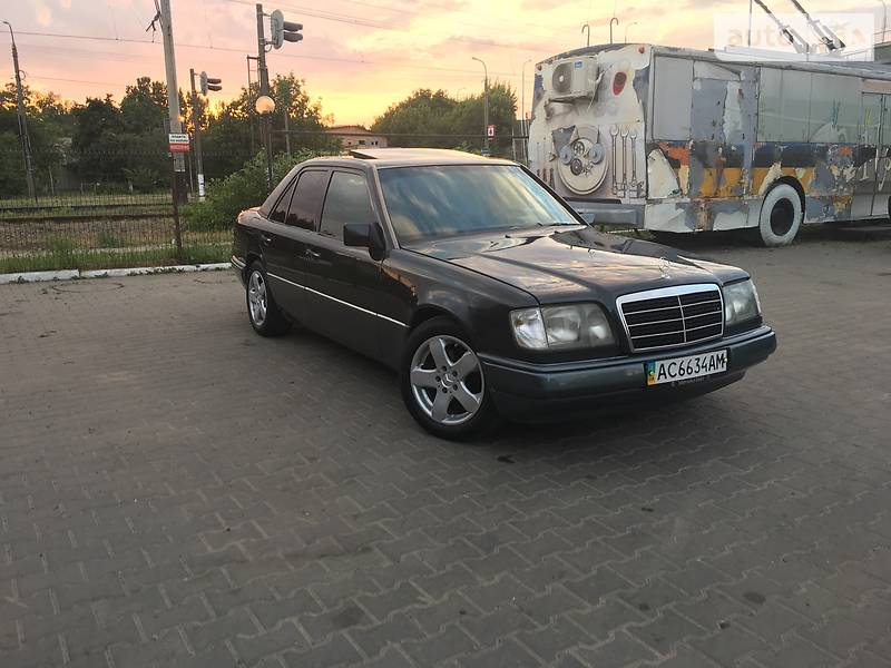 Mercedes E-Class 1995 года в Луцке