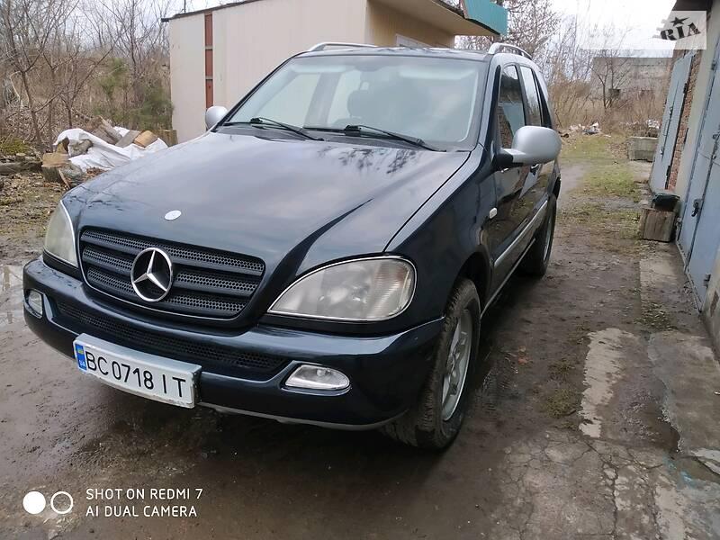 Позашляховик / Кросовер Mercedes-Benz ML 270 2000 в Львові