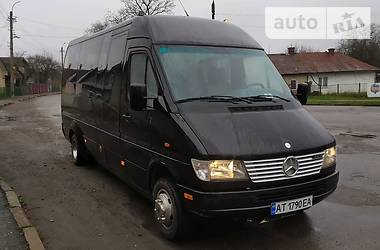 Mercedes-Benz Sprinter 412 пасс. 2000 в Калуше