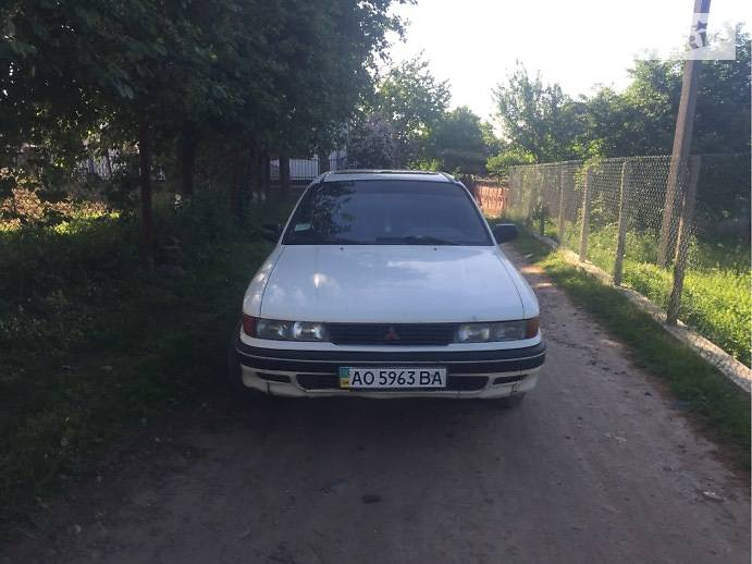 Mitsubishi Galant 1989 в Иршаве