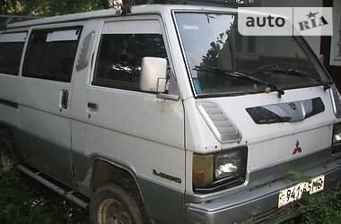 Mitsubishi L 300 пасс. 1985 в Глыбокой