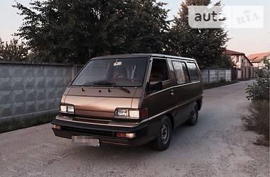 Mitsubishi L 300 пасс. 1987 в Киеве